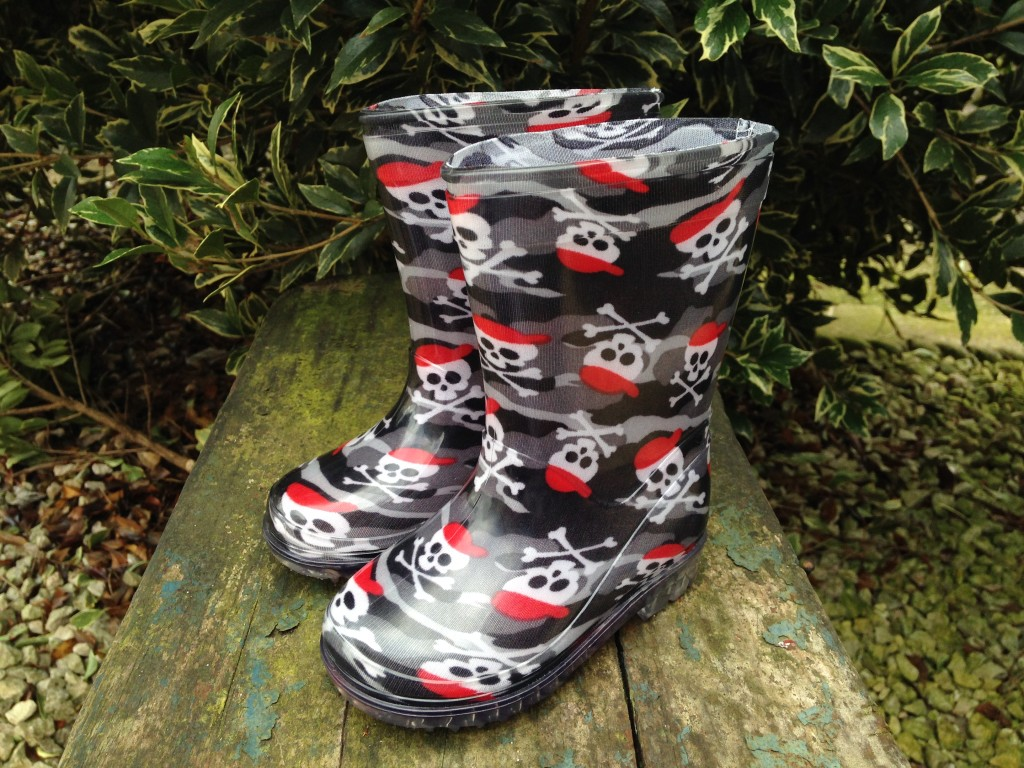 Boys Skull n Cross Bones Wellies from Shoe Zone