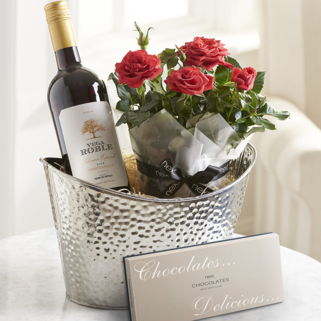 Red Wine Gift Set - Next