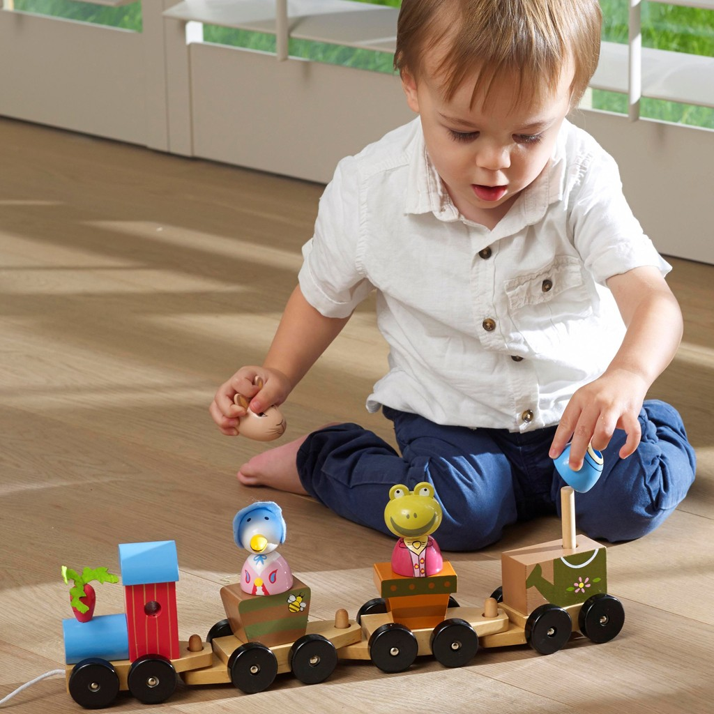 Peter Rabbit Puzzle Train - Amazon