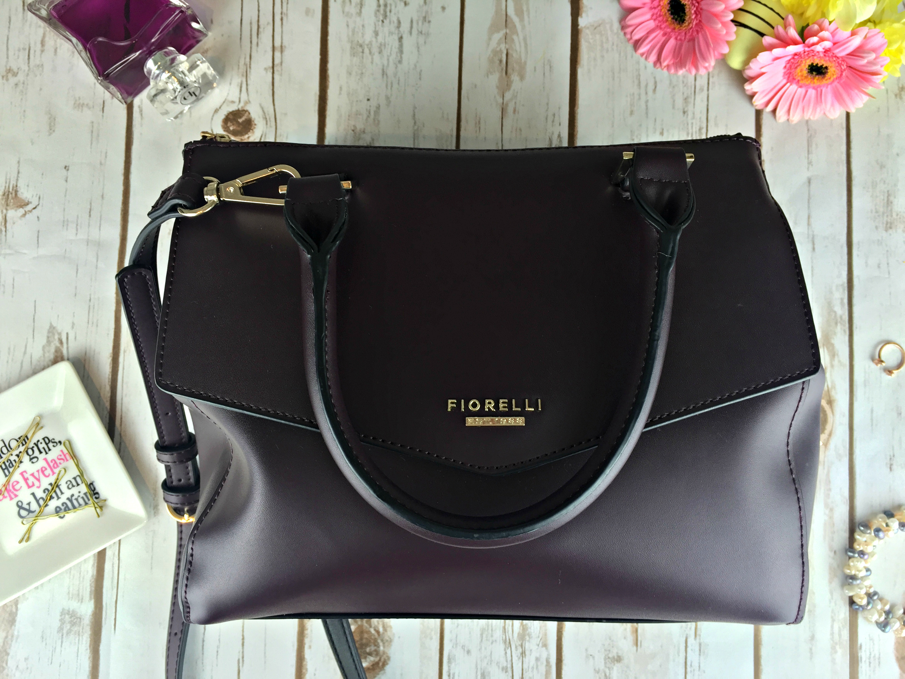 455a57a6b82b What's in my Bag & Fiorelli Mia Grab Bag Review - With love from Lou