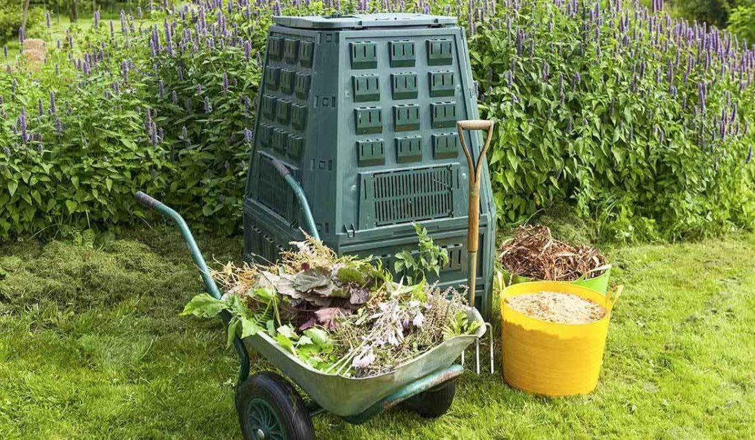 Garden with compost bin